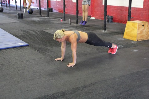 Reese showing us a perfect hollow body during her 100 Push-ups